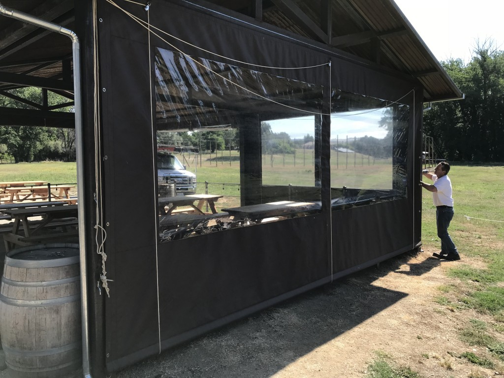 Enclosure Drop curtain